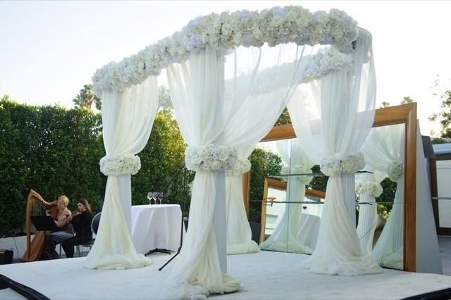 24-Modern-Glam-White-Wedding-Jessica-Elizabeth-Photographers-JET_0032-640x426