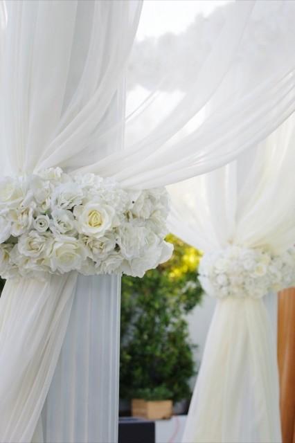 25-Modern-Glam-White-Wedding-Jessica-Elizabeth-Photographers-700_1050-426x640
