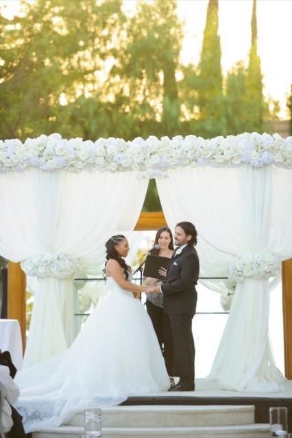 32-Modern-Glam-White-Wedding-Jessica-Elizabeth-Photographers-RWT_1207-426x640