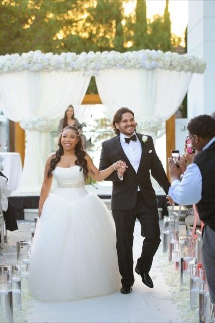 35-Modern-Glam-White-Wedding-Jessica-Elizabeth-Photographers-RWT_1350-426x640