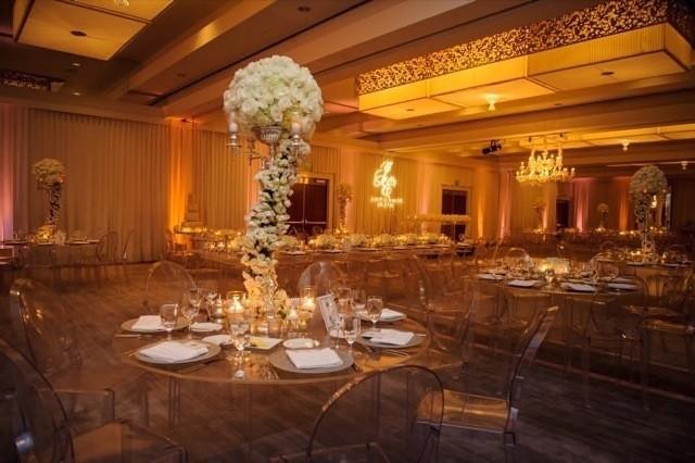 40-Modern-Glam-White-Wedding-Jessica-Elizabeth-Photographers-JET_0438-640x426