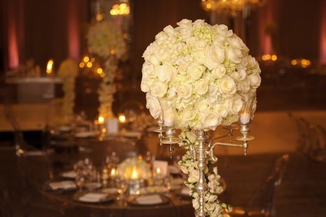 46-Modern-Glam-White-Wedding-Jessica-Elizabeth-Photographers-RWT_1515-640x426