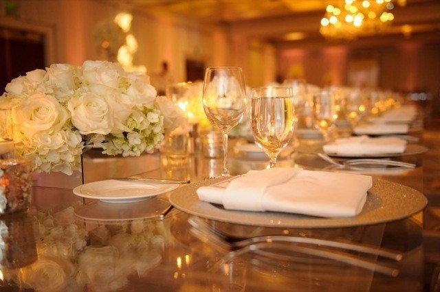 53-Modern-Glam-White-Wedding-Jessica-Elizabeth-Photographers-JET_0329-640x426