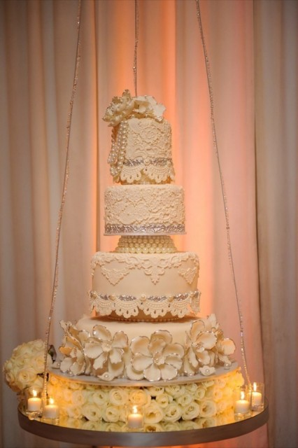 70-Modern-Glam-White-Wedding-Jessica-Elizabeth-Photographers-JET_0365-426x640