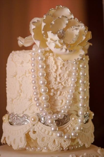76-Modern-Glam-White-Wedding-Jessica-Elizabeth-Photographers-RWT_1621-426x640